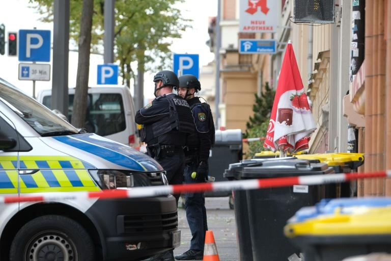 Policemen secured the area around the site of a shooting in the Germany city of Halle (AFP Photo/Sebastian Willnow)
