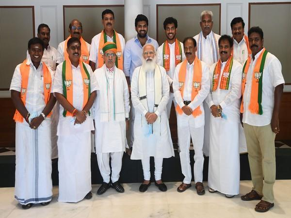 Visual of PM Modi meeting a delegation of MLAs from Puducherry (Photo/Twitter)