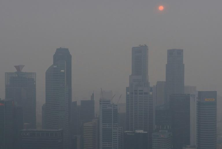 Singapore's striking skyline has been obscured by smog for days, raising concerns about Sunday's F1 race in the city