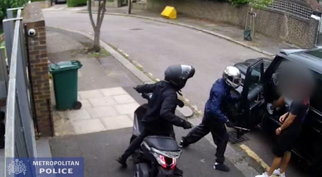 CCTV of Ashley Smith and Jordan Northover trying to rob Premier League stars Sead Kolasinac and Mesut Ozil (Met Police/PA)