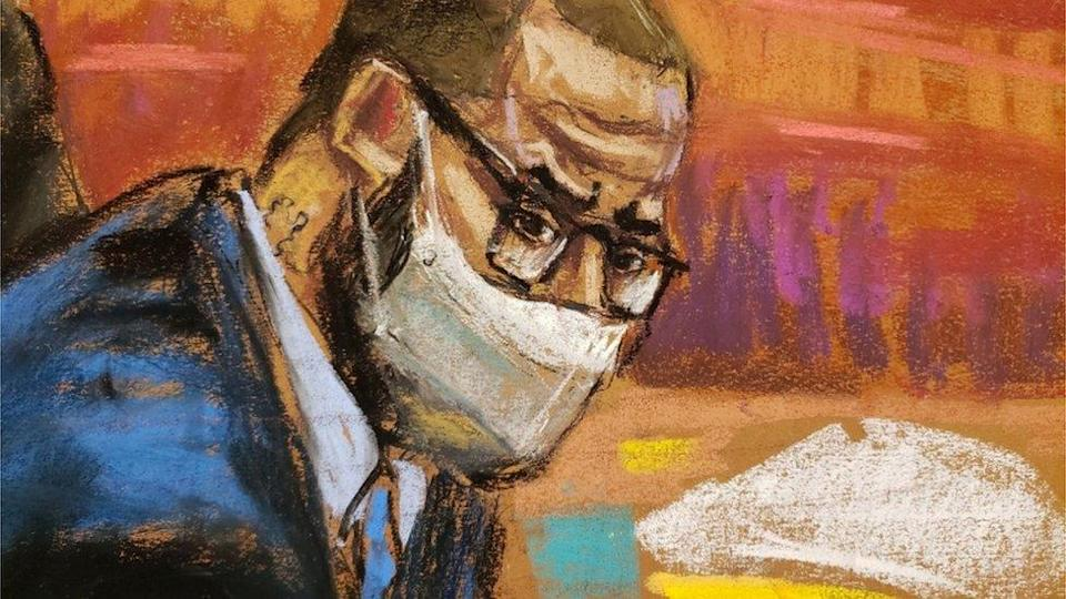 R. Kelly looks towards witnesses in court