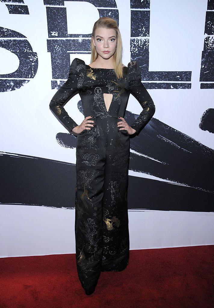 <p>She opted for power shoulders to the premiere. </p>
