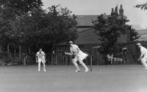 Miss Myrtle MacLagan batting for the ' Cuckoos ' - Credit: HULTON ARCHIVE