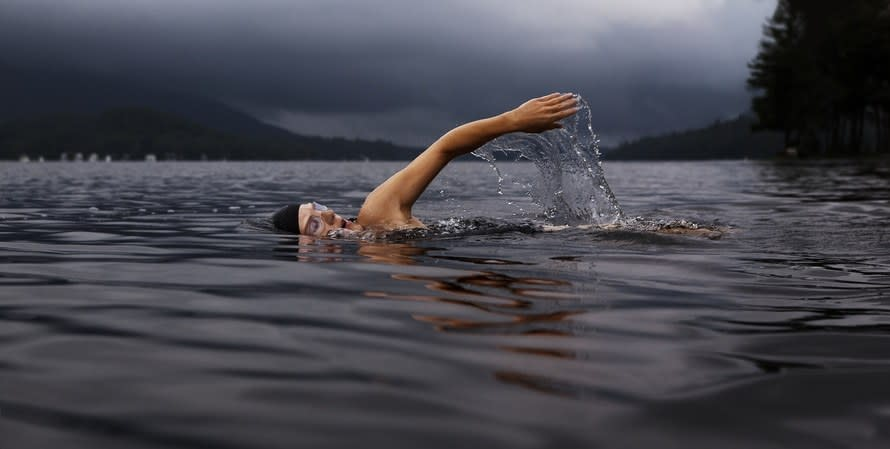 <p>Pool, sea or lake, swimming is great for toning muscle owing to the fact that water is 12 times as dense as air; just wading through the stuff will get you in shape. Swimming is a brilliant cardio and strengthening workout and since it's a low impact exercise you can go at it for longer. Jobs a good'un.</p><p><i>[Photo: Pexels]</i><br /></p>