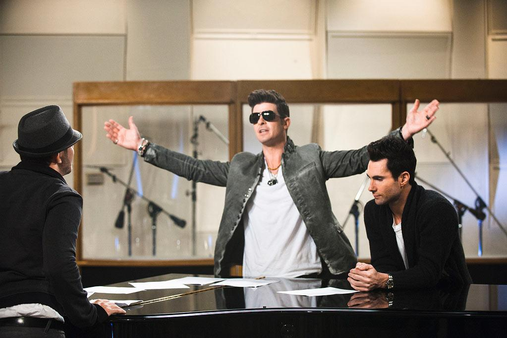 <b>Robin Thicke</b> on Team Adam, Season 2