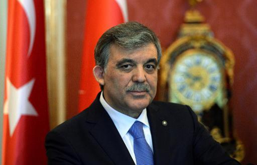 <p>Turkey's President Abdullah Gul (C) gives a statement with his Hungarian counterpart in the presidental palace in Budapest on February 17, 2014 during their joint press conference</p>