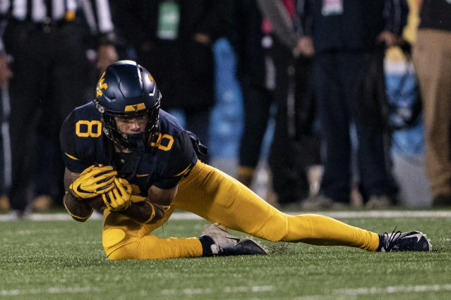 West Virginia WR Marcus Simms makes a catch against Baylor in 2018. (Getty Images)