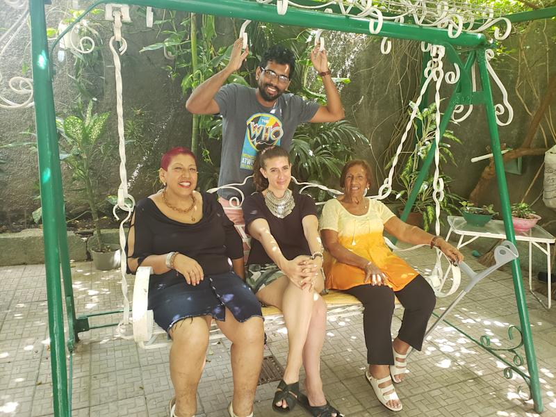 Jacqueline, Fidel and family in Bayamo, Cuba. Image courtesy of Jacqueline Stein.