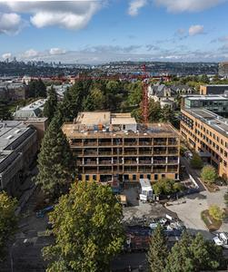 Founders Hall reflects the highly interactive nature of business in the new century and is designed for sustainable performance and social connection to inspire future generations of business leaders. The project is a model for sustainable design at the University of Washington and is embracing UW's Green Building Standards to reduce emissions from embodied carbon by 83%. Image: © Adam Hunter/LMN Architects.
