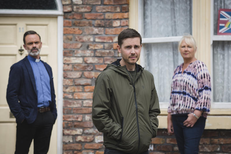 Todd Grimshaw is returning to the cobbles, now played by Gareth Pierce. (ITV/Mark Bruce)