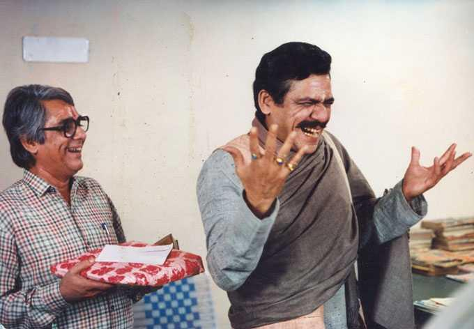 Known for his stark portrayals in parallel cinema like <em>Ardh Satya, Aakrosh</em>, and<em> Paar</em>, Om Puri turned into a loud, wily politician in this political satire written by Doordarshan's veteran writer Manohar Shyam Joshi.