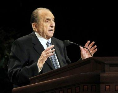 FILE PHOTO: President of the Church of Jesus Christ of Latter-day Saints, Thomas Monson gives a talk at the fourth session of the 181st Semiannual General Conference in Salt Lake City, Utah October 2, 2011. REUTERS/George Frey