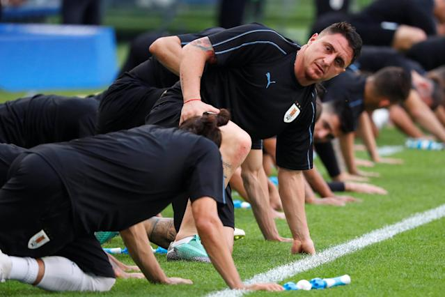Soccer Football - World Cup - Uruguay Training - Samara Arena, Samara, Russia - June 24, 2018 Uruguay's Cristian Rodriguez and team mates during training REUTERS/David Gray