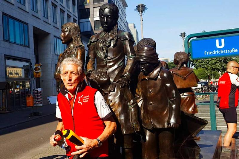 On a Bike, Ex-child Refugee Retraces Escape From Nazi Germany