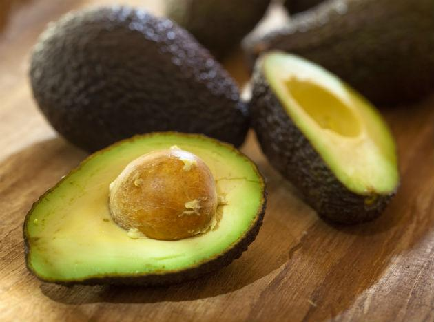 "<b>Avocado </b><br>Don't let the fat content of an avocado (29 grams) scare you—that's what makes it a top weight loss food, Kraus says. ""The heart-healthy monounsaturated fat it contains increases satiety,"" she says. And it's terrific summer party food. <br><b>Eat more</b> Add avocado to your sandwich instead of mayo for a creamy texture and a shot of flavor. Avocados do contain a lot of calories, so it's best to watch your portions. One easy way to do it: Try Wholly Guacamole's 100-calorie fresh guacamole packs ($3; grocery stores or WhollyGuac.com). They're easy to pack in your lunch and pair with chopped vegetables."