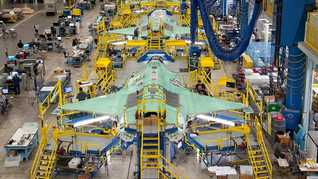 Report: Military Lost Control of F-35 Contractors, Errors Abound