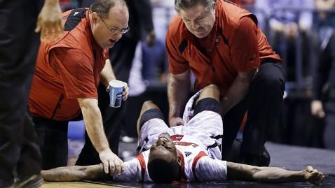 ap Ware ac 130401 wblog Louisvilles Kevin Ware Has Surgery After Gruesome Tourney Injury