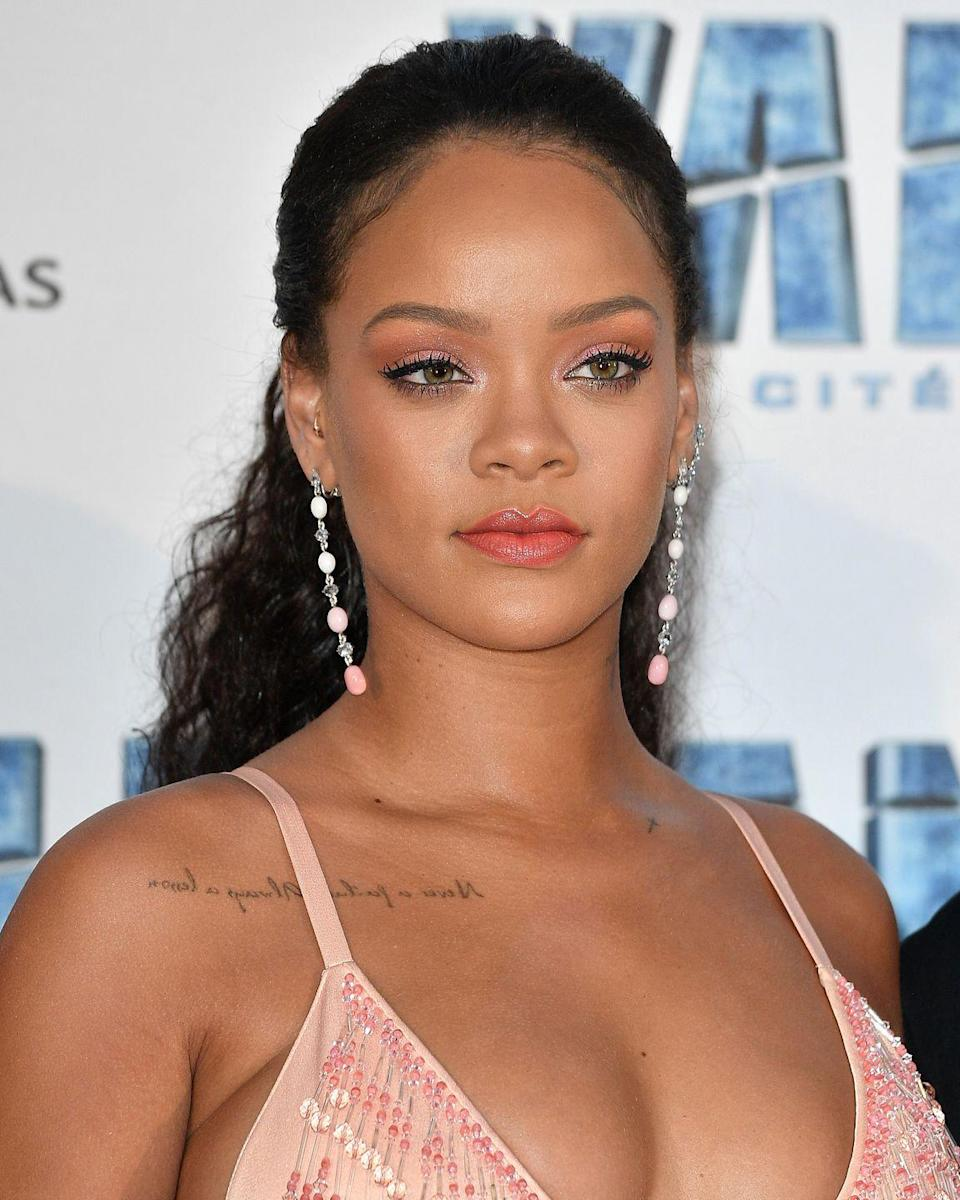 """<p>During her """"Last Girl on Earth"""" world tour in 2010, Rihanna's rider included <a href=""""http://www.thesmokinggun.com/file/rihanna-10-rider?page=1"""" rel=""""nofollow noopener"""" target=""""_blank"""" data-ylk=""""slk:one large fur rug"""" class=""""link rapid-noclick-resp"""">one large fur rug</a> (preferably animal-printed) for her to walk on barefoot. Apparently she was also very big into curtains, specifically blue or black with """"icy-blue chiffon"""" and white curtains to cover any lockers or bricks.</p>"""