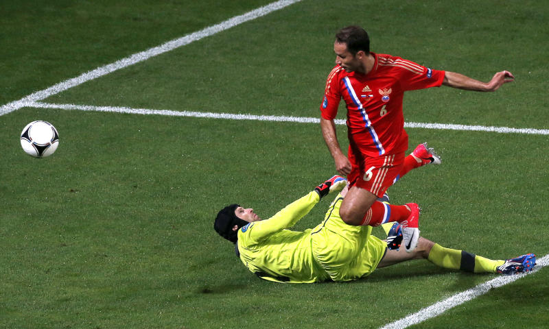 Russia's Roman Shirokov scores his side's second goal past Czech goalkeeper Petr Cech during the Euro 2012, Group A soccer match between Russia and Czech Republic, in Wroclaw, Poland, Friday, June 8, 2012. (AP Photo/Anja Niedringhaus)