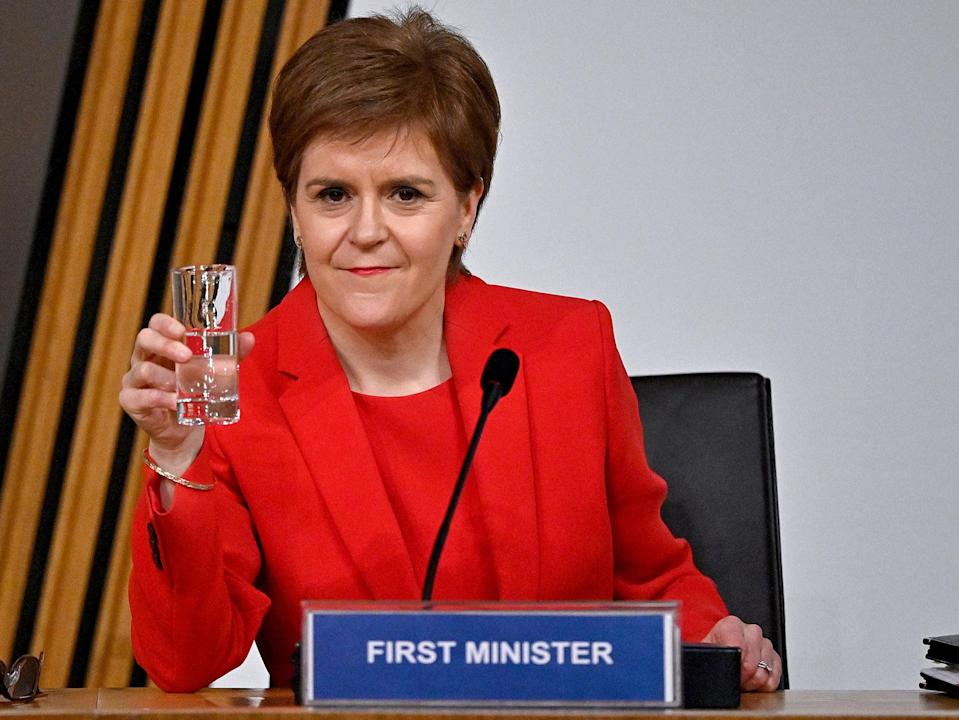 Nicola Sturgeon giving evidence to the committeePA