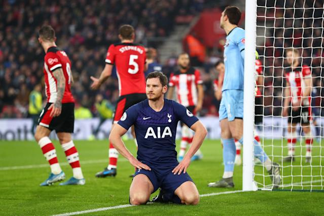 Jan Vertonghen reacts after a missed chance. (Credit: Getty Images)