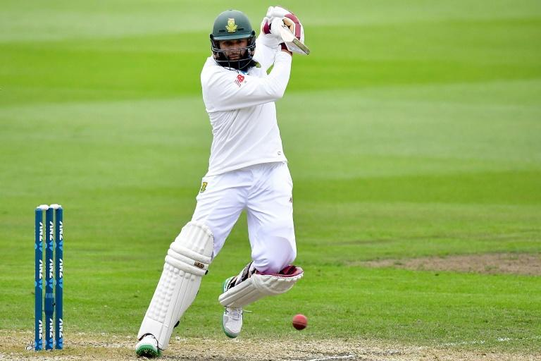 South Africa's Hashim Amla is 23 not out as bad light stops play in the first Test against New Zealand