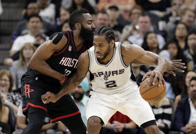 "<a class=""link rapid-noclick-resp"" href=""/nba/players/4896/"" data-ylk=""slk:Kawhi Leonard"">Kawhi Leonard</a> and the Spurs turned things around to even the series with the Rockets. (AP)"