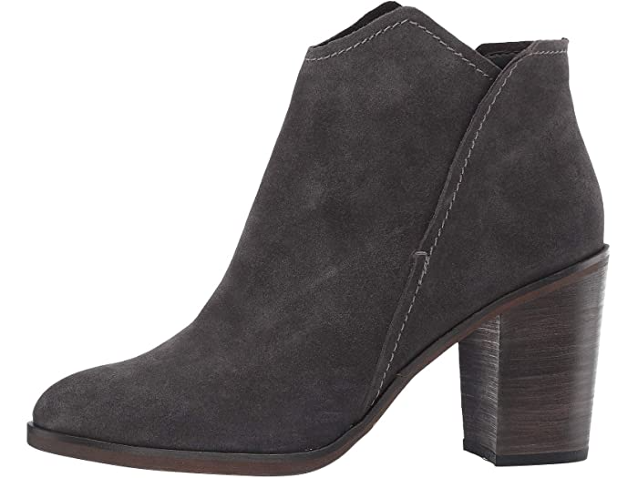 "<h3>Dolce Vita Shep</h3><br>""Gorgeous, buttery soft leather, easy to pull on & looks AMAZING with jeans, a dress, super versatile & a great transition for fall..... might need to buy them in another color too! 12/10."" – Anonymous <br><br><strong>Dolce Vita</strong> Shep, $, available at <a href=""https://go.skimresources.com/?id=30283X879131&url=https%3A%2F%2Ffave.co%2F34zl6O4"" rel=""nofollow noopener"" target=""_blank"" data-ylk=""slk:Zappos"" class=""link rapid-noclick-resp"">Zappos</a>"