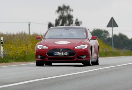 Tesla owner lawsuit claims software update fraudulently cut battery capacity