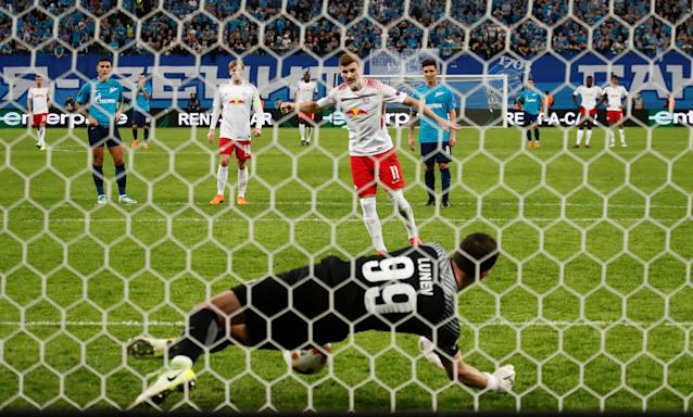 Soccer Football - Europa League Round of 16 Second Leg - Zenit Saint Petersburg vs RB Leipzig - Stadium St. Petersburg, Saint Petersburg, Russia - March 15, 2018 Zenit St. Petersburg's Andrey Lunev saves a penalty by RB Leipzig's Timo Werner REUTERS/Maxim Shemetov