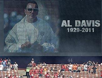 The 49ers paid tribute to Raiders owner Al Davis with a moment of silence before Sunday's game against the Buccaneers