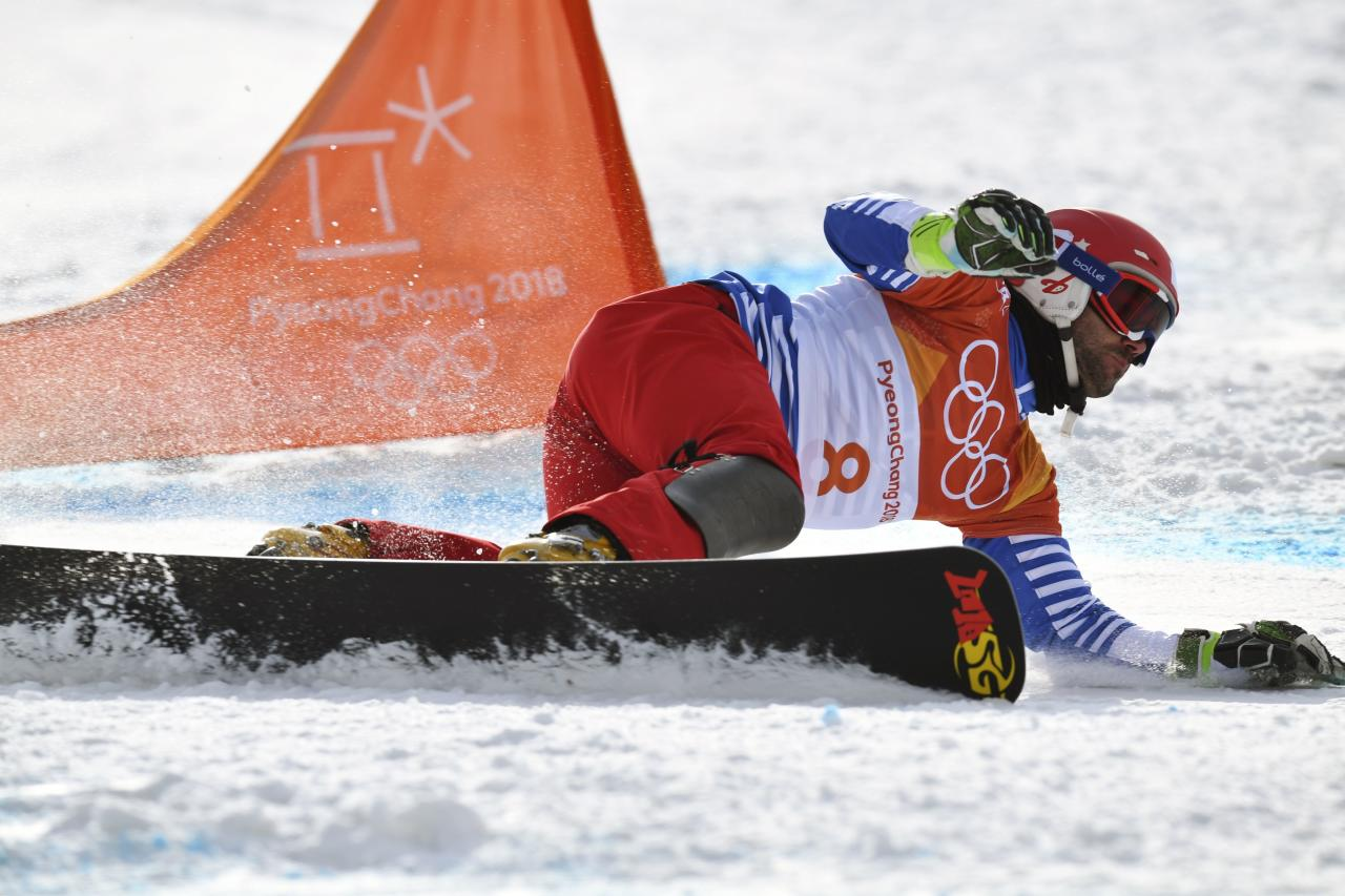 Freestyle Skiing - Pyeongchang 2018 Winter Olympics - Men's Parallel Giant Slalom Finals - Phoenix Snow Park - Pyeongchang, South Korea - February 24, 2018 - Sylvain Dufour of France competes. REUTERS/Dylan Martinez