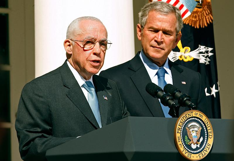 Michael B. Mukasey, left, and President George W. Bush in 2007. (Photo: Chip Somodevilla/Getty Images)