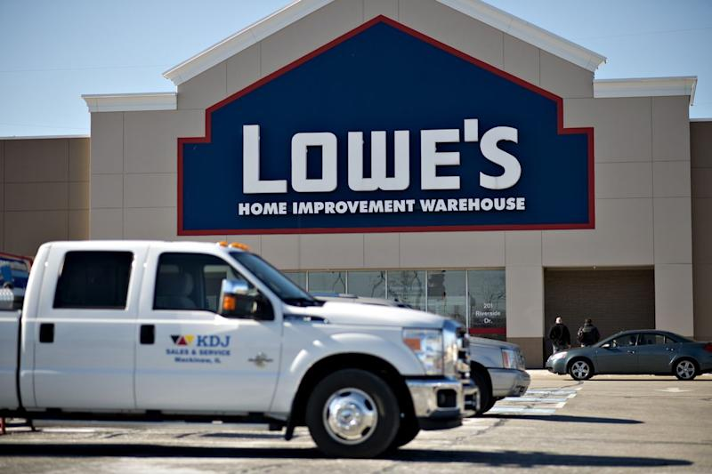 D.E. Shaw Builds Activist Stake in Lowe's