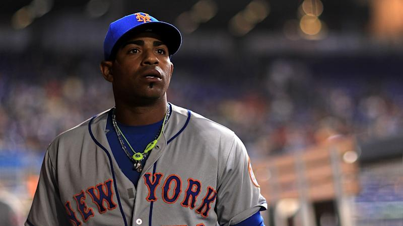 Mets' Yoenis Cespedes breaks ankle in ranch accident