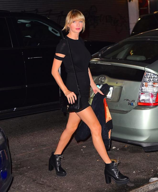 Taylor Swift rolls up to the Kings of Leon concert.