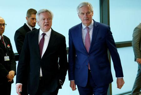 Britain's Secretary of State for Exiting the European Union David Davis and European Union's chief Brexit negotiator Michel Barnier pose ahead of a meeting in Brussels, Belgium, March 19, 2018.  REUTERS/Francois Lenoir