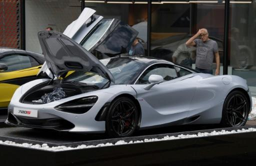 At Frankfurt car show, industry in throes of reinvention