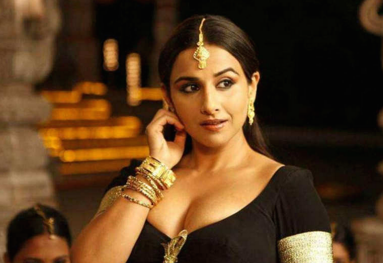 Though Vidya had had a lot of critical success up until this point, she had done a few forgettable films like Heyy Babyy and Kismet Konnection as well. She needed to get back to a strong role and thus arrived this biopic on the life of Silk Smitha. Vidya set the screens on fire with her portrayal of the troubled star of erotic South Indian films and walked away with a Filmfare as well as the National Award for best actress.