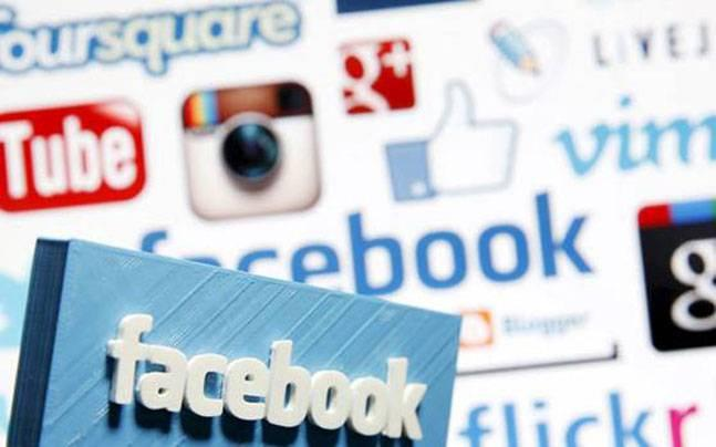Kashmir: Government likely to ban social media in Valley