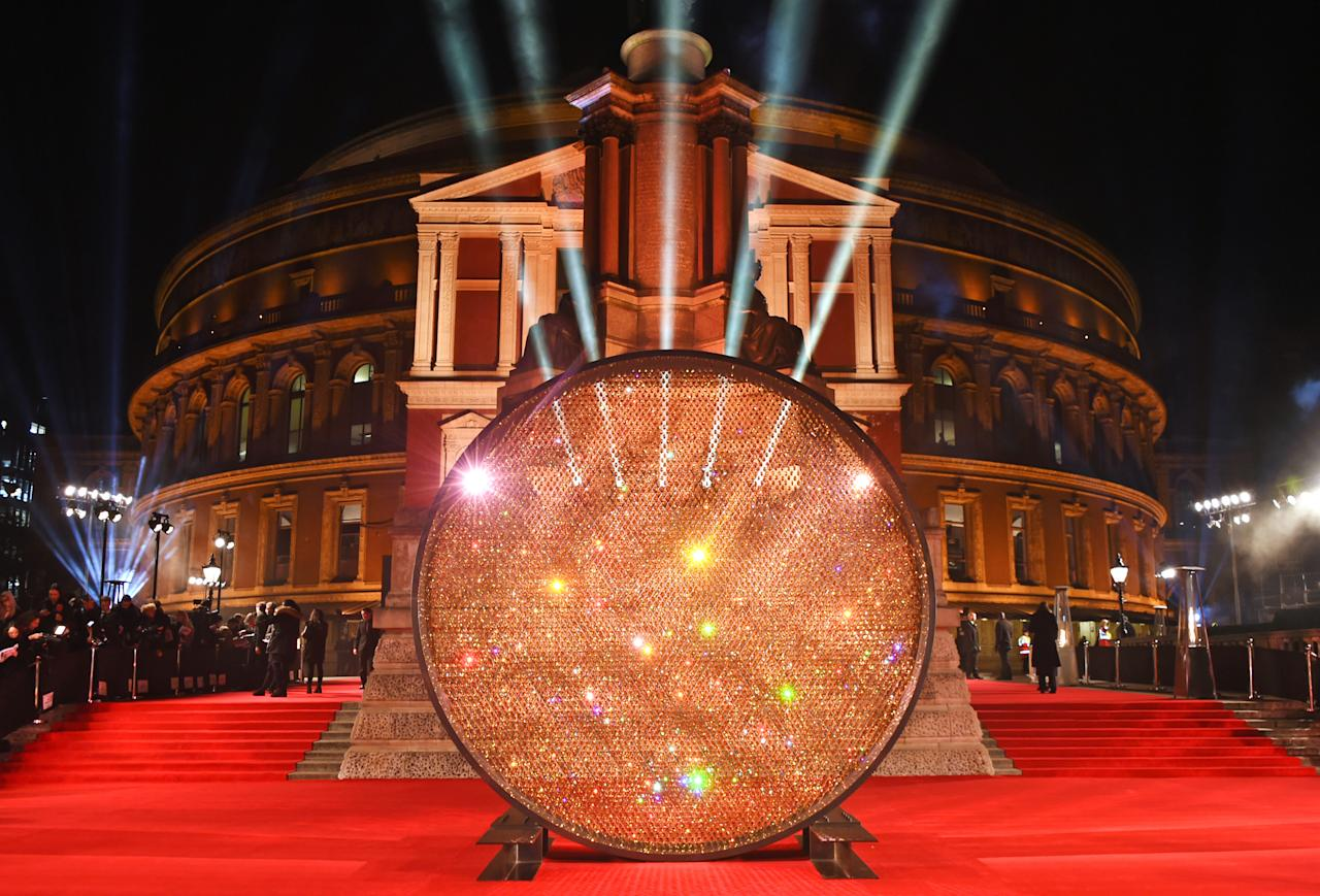 <p>The Fashion Awards 2017 takes place on Monday 4 December at London's Royal Albert Hall. The grand venue is a fitting place to celebrate the year in global fashion. Last year saw a glittering backdrop and pink velvet sofa interior. What will this year's bring?<br /><i>[Photo: Getty]</i> </p>
