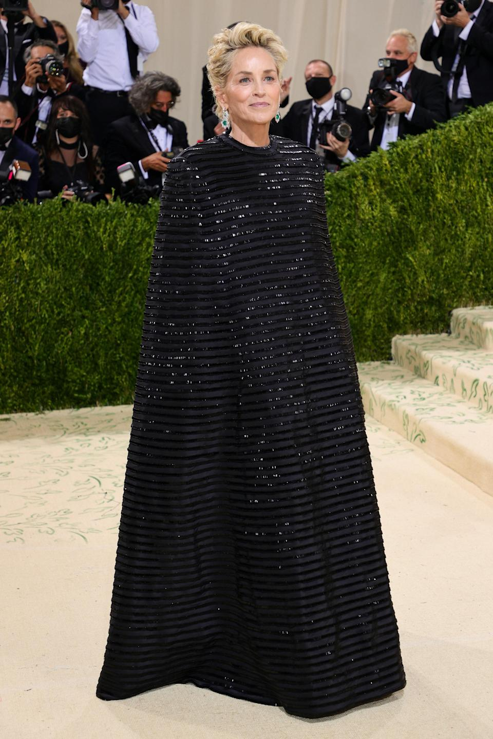 """<h1 class=""""title"""">Sharon Stone, The 2021 Met Gala Celebrating In America: A Lexicon Of Fashion - Arrivals</h1><cite class=""""credit"""">Getty</cite>"""