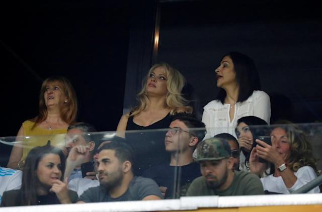 Soccer Football - Europa League Semi Final First Leg - Olympique de Marseille vs RB Salzburg - Orange Velodrome, Marseille, France - April 26, 2018 Partner of Marseille's Adil Rami, Pamela Anderson looks on from the stands REUTERS/Eric Gaillard