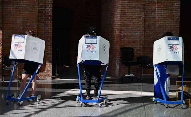PHOTO: People vote at the Brooklyn Museum polling site during the New York Democratic presidential primary elections in New York, June 23, 2020. (Angela Weiss/AFP via Getty Images, FILE)