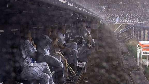Yankees and Red Sox players frightened by thunder, react hilariously