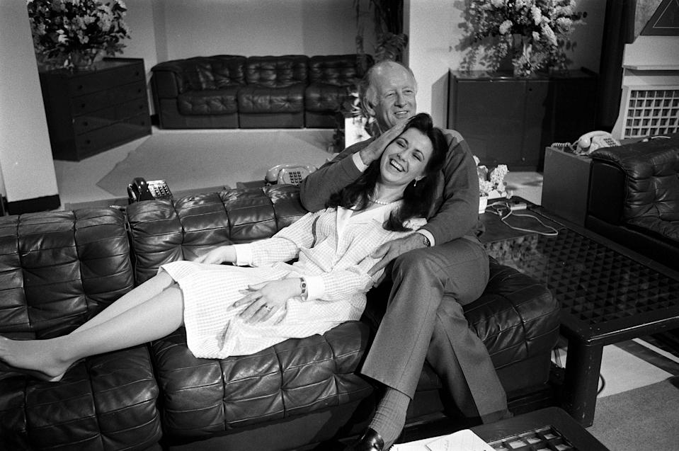 PA NEWS PHOTO 13/5/85 A LIBRARY FILE PICTURE OF BBC'S BREAKFAST TIME PRESENTER'S FRANK BOUGH AND DEBBIE GREENWOOD IN LONDON (Photo by PA Images via Getty Images)