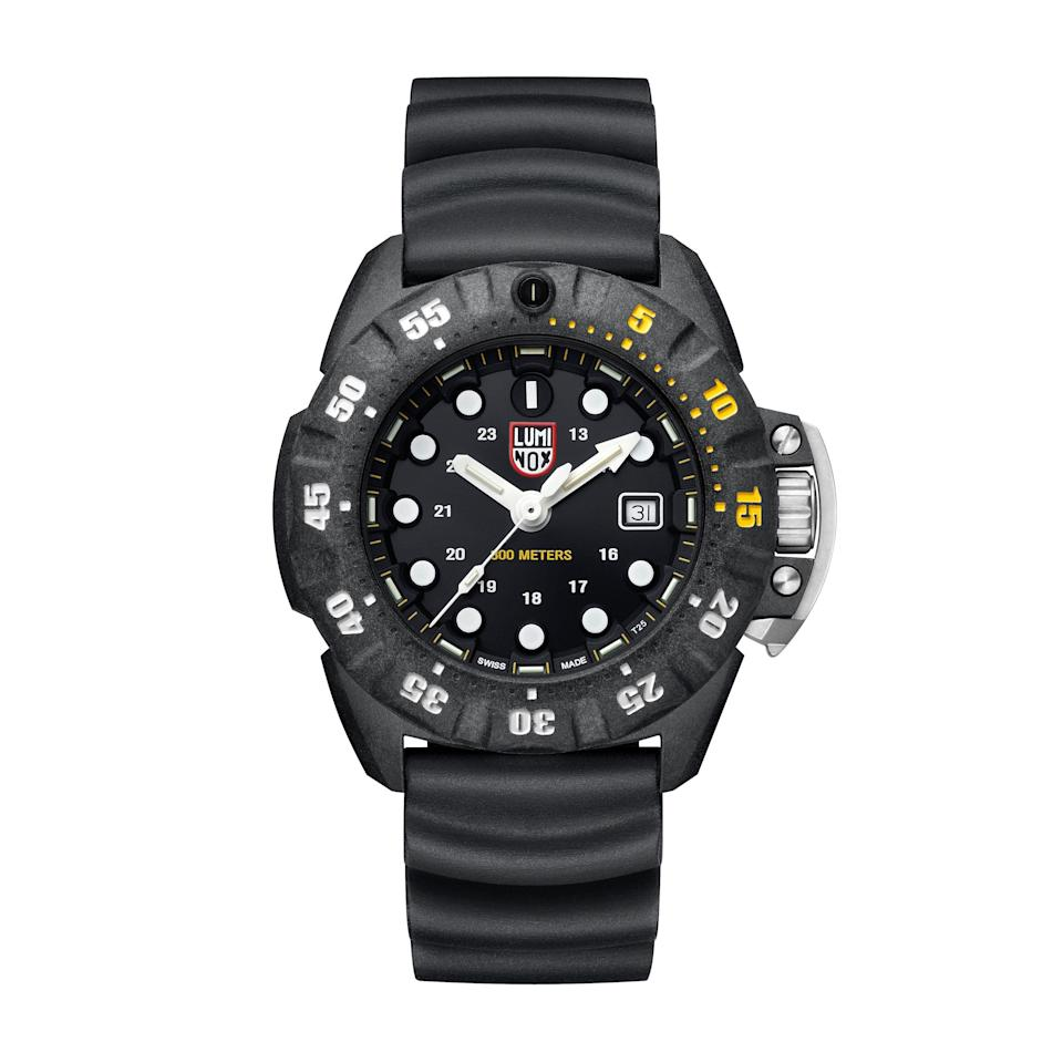 """<p><strong>Luminox</strong></p><p>huckberry.com</p><p><a href=""""https://go.redirectingat.com?id=74968X1596630&url=https%3A%2F%2Fhuckberry.com%2Fstore%2Fluminox%2Fcategory%2Fp%2F67303-scott-cassell-deep-dive&sref=https%3A%2F%2Fwww.menshealth.com%2Fstyle%2Fg37092193%2Fhuckberry-summer-sale-2021%2F"""" rel=""""nofollow noopener"""" target=""""_blank"""" data-ylk=""""slk:BUY IT HERE"""" class=""""link rapid-noclick-resp"""">BUY IT HERE</a></p><p><del>$695<br></del><strong>$487 (30% OFF)</strong></p><p>Investing in a solid watch is, well, an investment. So when you have the opportunity to get one at a discount, take it.</p>"""