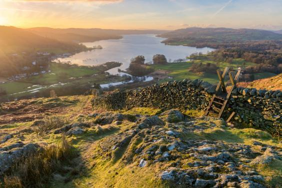Sunrise on Lake Windermere in the Lake District (istock)