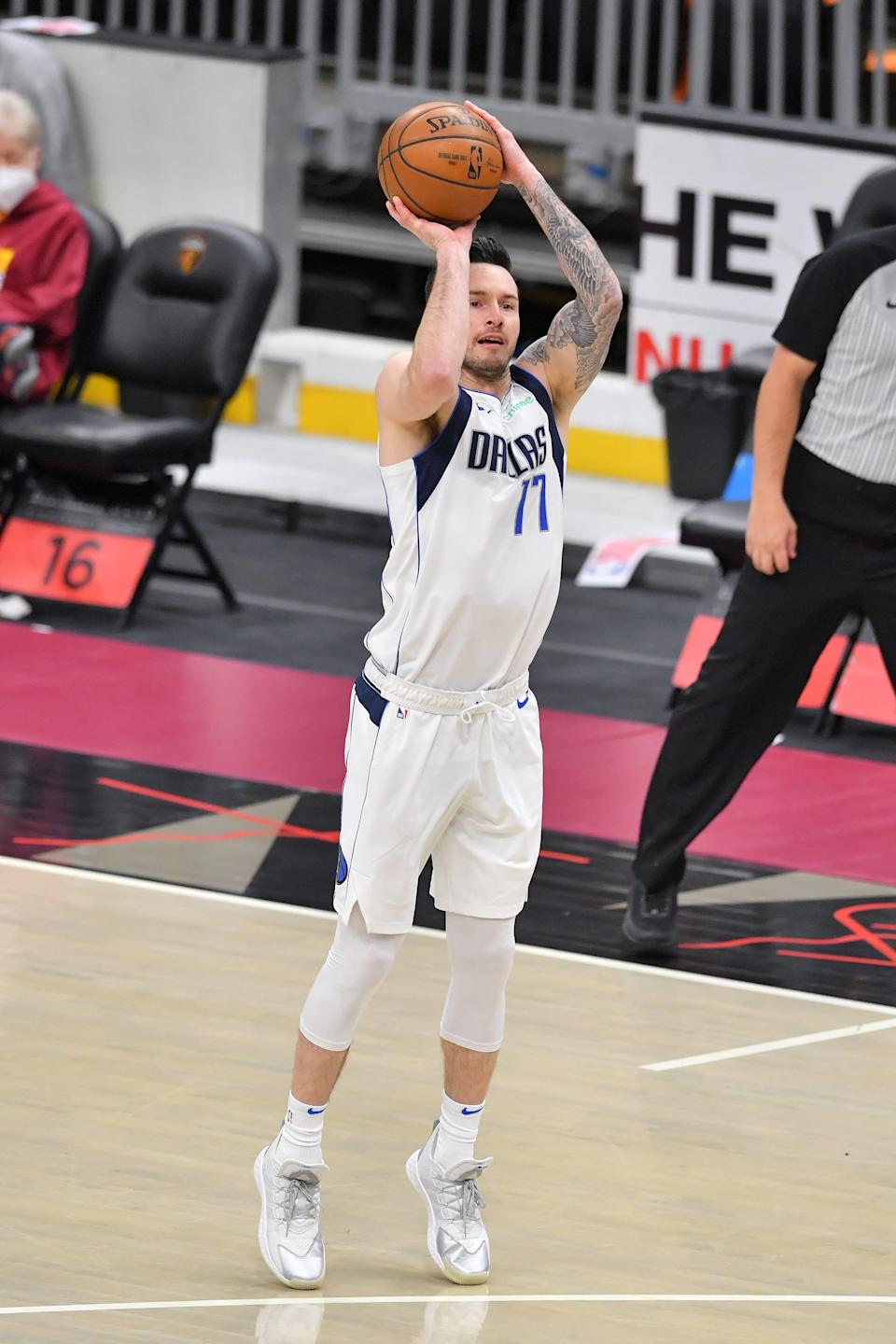 The Lakers need to acquire a shooter in free agency, and J.J. Redick could be a realistic option.