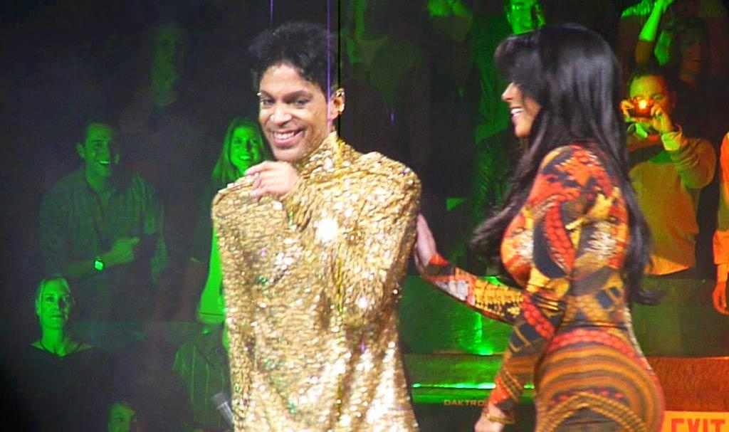 "When Prince pulled Kim Kardashian up on stage at his Madison Square Garden concert Monday night, the reality starlet freaked out and froze up. Prince's punishment for Kim's failure to get funky? He booted her off the stage! Kim somehow got a second chance later in the night. ""Went up on stage AGAIN! This time I redeemed myself. We all danced while prince played the piano! Wow! What a night!"" she tweeted.. Richie Buxo/<a href=""http://www.splashnewsonline.com"" target=""new"">Splash News</a> - February 7, 2011"